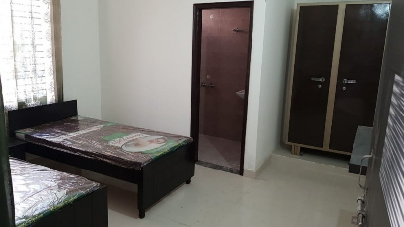 pg-on-rent-in-patel-nagar-gurgaon-only-7000-personal-room-big-0
